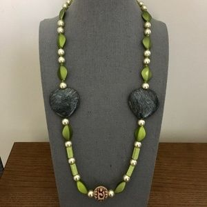 3/$25 ** Green beads n stones string necklace